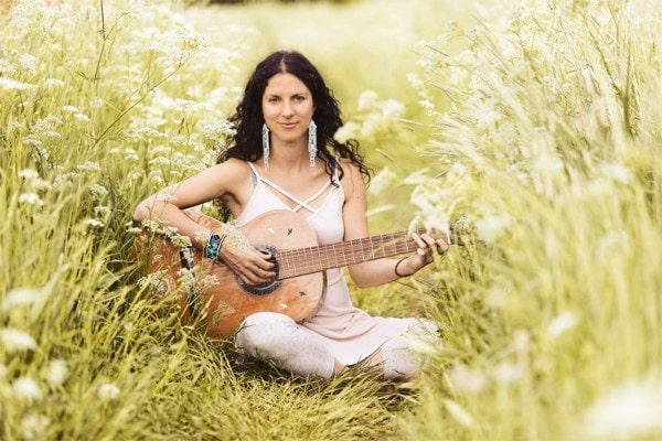 Kavita_guitar2